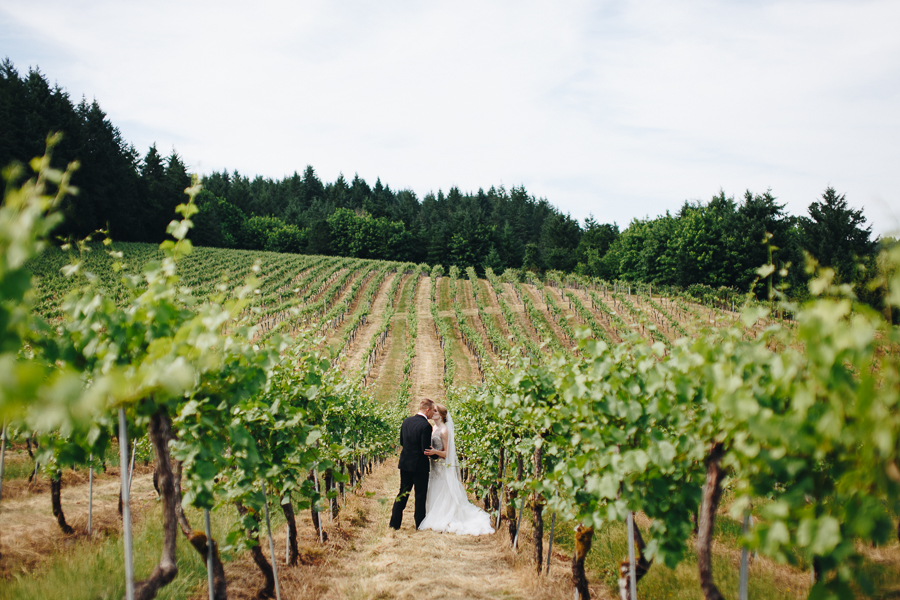 beckenridge-vineyard-wedding-salem-oregon-venue-31.jpg