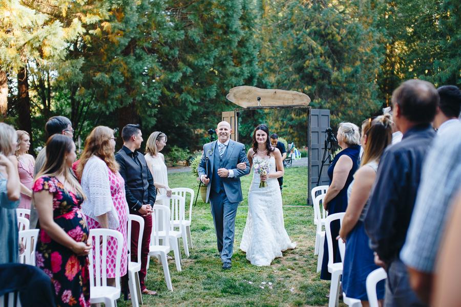 hornings-hideout-wedding-oregon-21.jpg