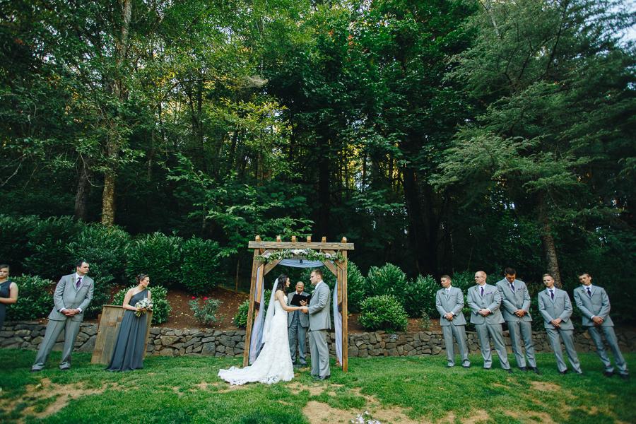 hornings-hideout-wedding-oregon-24.jpg