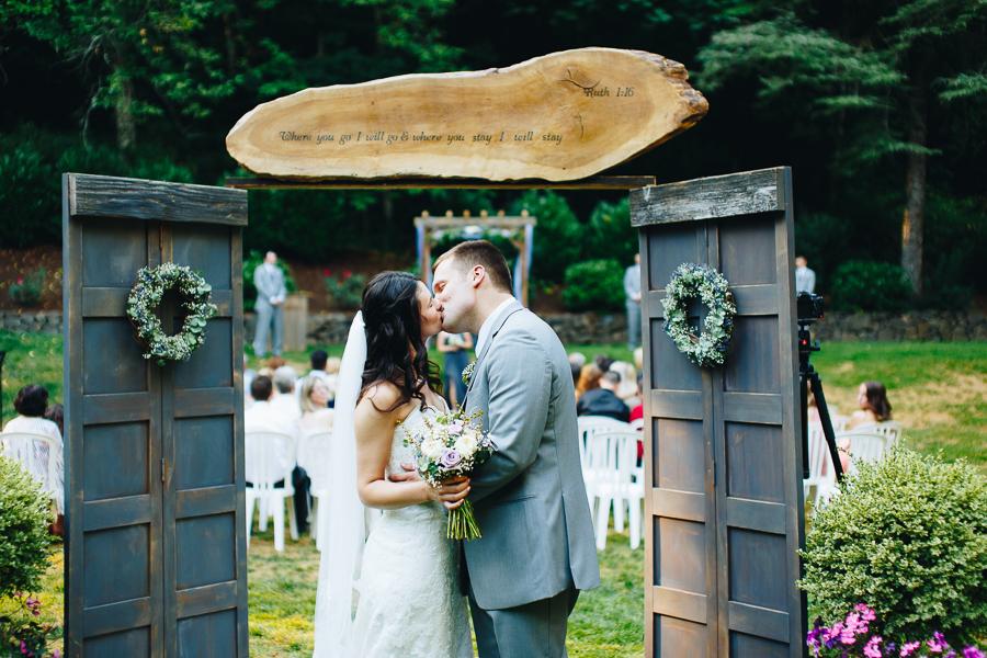 hornings-hideout-wedding-oregon-32.jpg