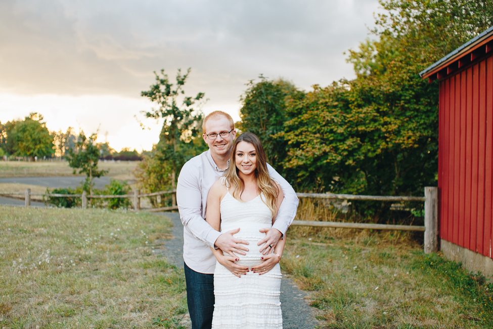 danielle-maternity-champoeg-oregon-blog-1.jpg