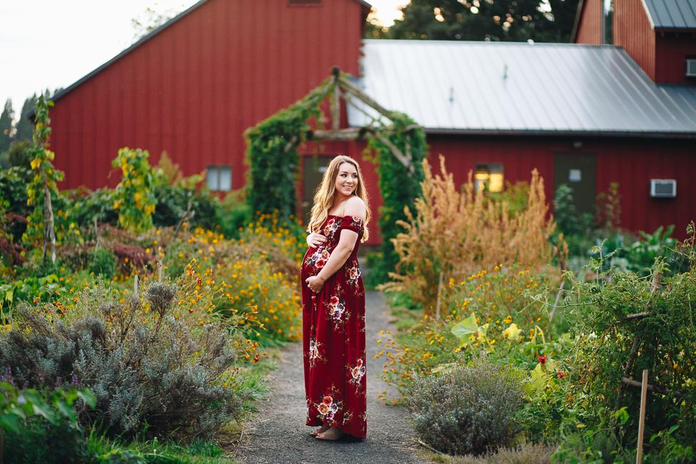 danielle-maternity-champoeg-oregon-blog-21.jpg