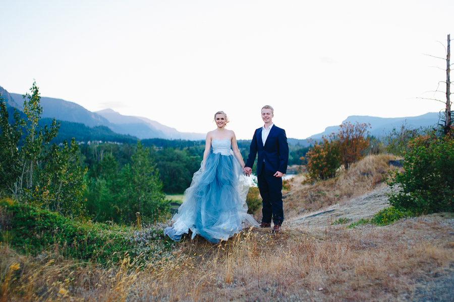 columbia-river-stylized-bridal-shoot-blog-33.jpg