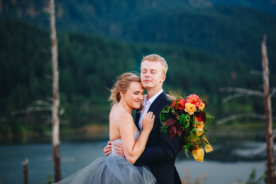 columbia-river-stylized-bridal-shoot-blog-107.jpg