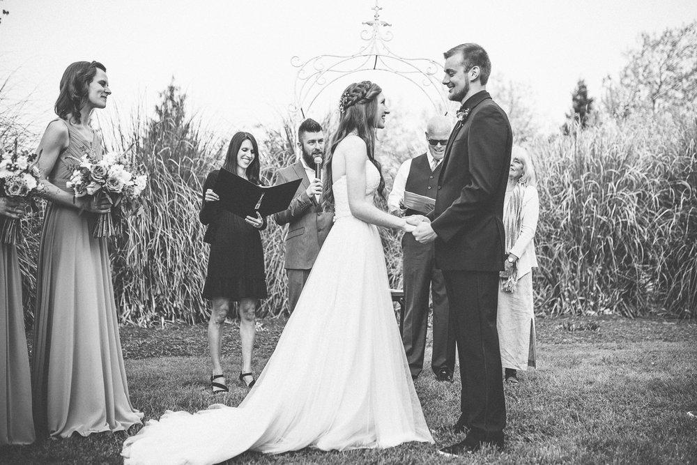 green-villa-barn-wedding-photography-24.jpg