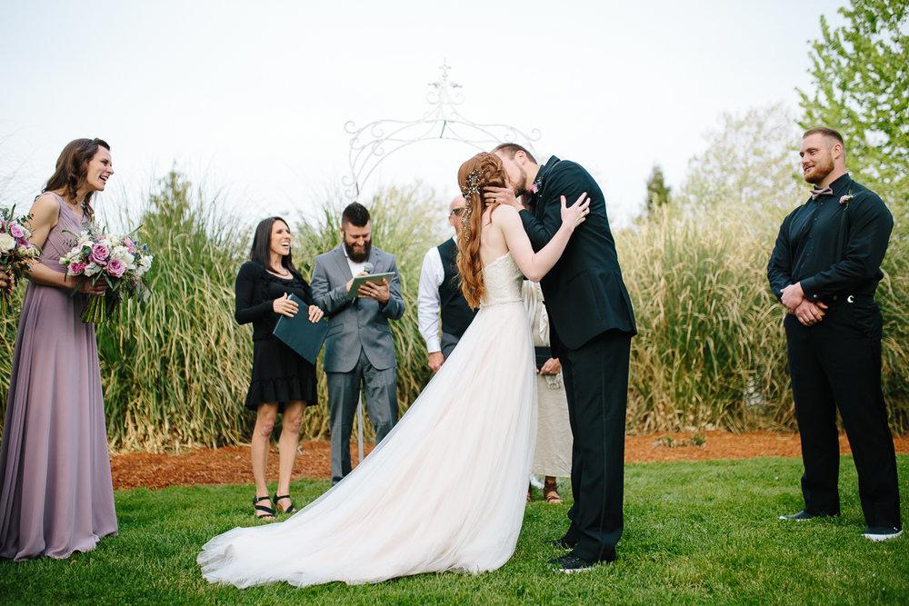 green-villa-barn-wedding-photography-25.jpg