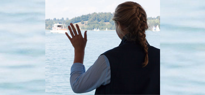 woman-waving.jpg