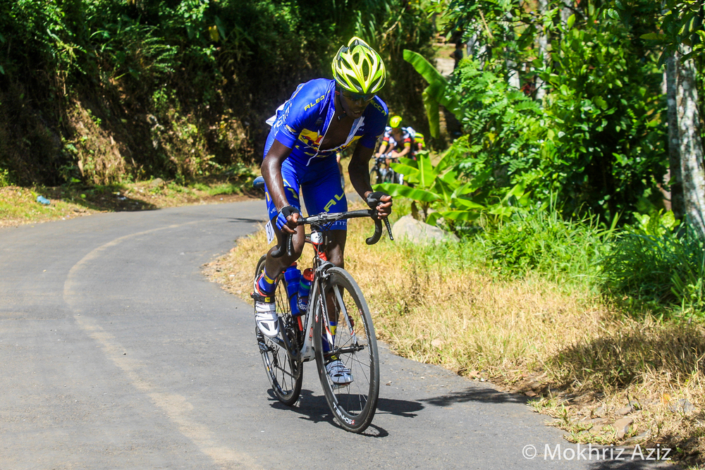 Suleiman Kangangi working really hard for his top 10 GC result. Image courtesy of Mokhriz Aziz