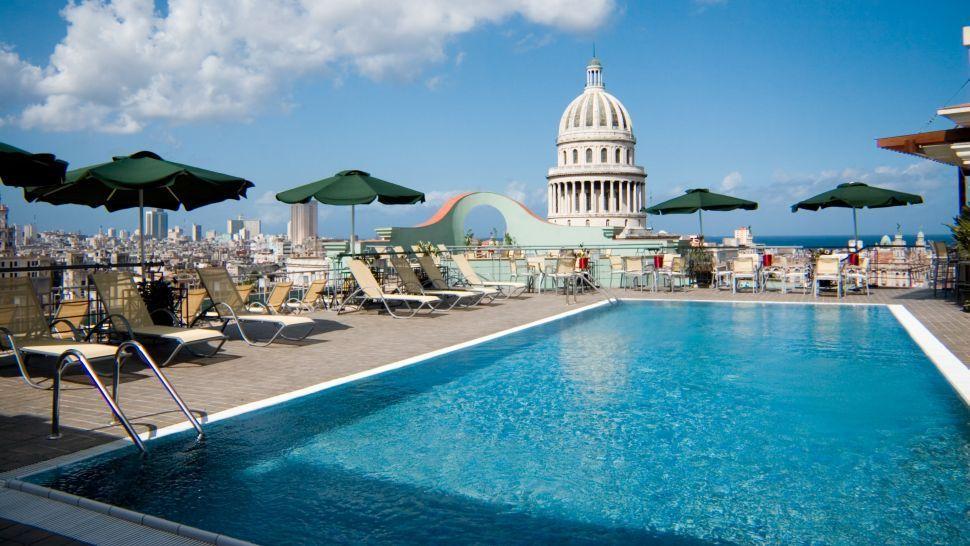 Hotel Sarasota, Havana Cuba rooftop pool