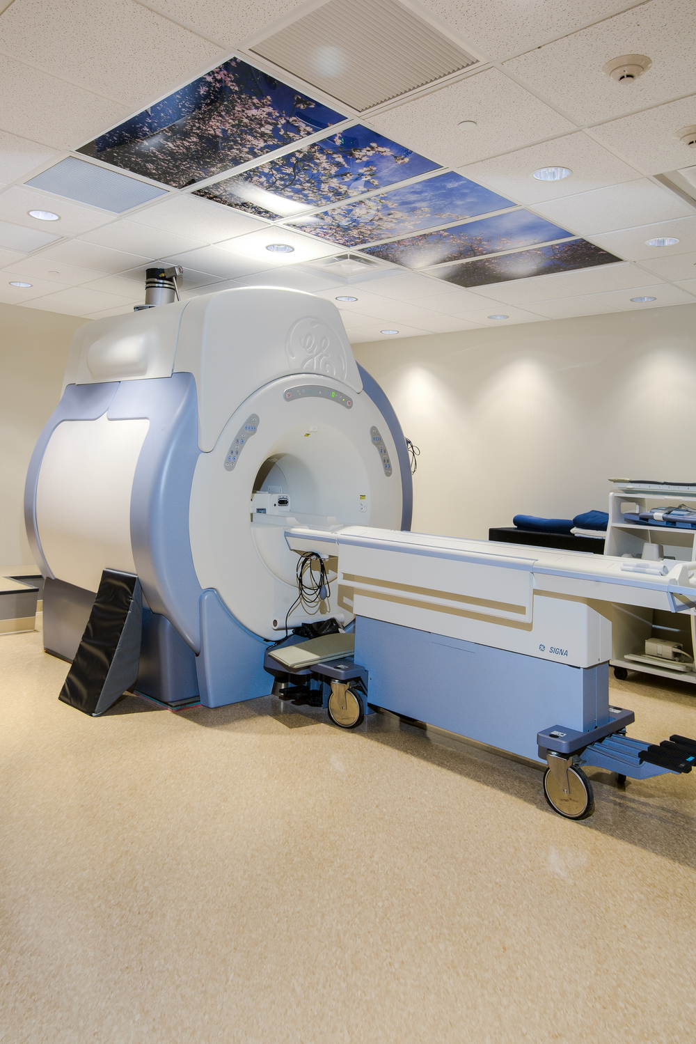 Ortho. Assoc. MRI Machine.jpg