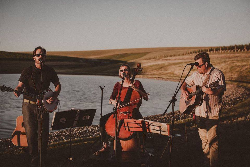 Rogue Lobster perform at Tranche Cellars, July 2017.