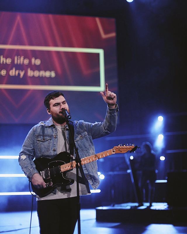 Happy Birthday to the greatest Creative Pastor!! Thank you for leading & loving everyone around you so well! We are so thankful for you!! Let's wish @alexanderdimare the best birthday!!🎉