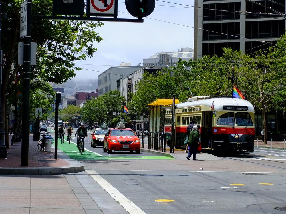 Historic F-Market Streetcar, Market ST