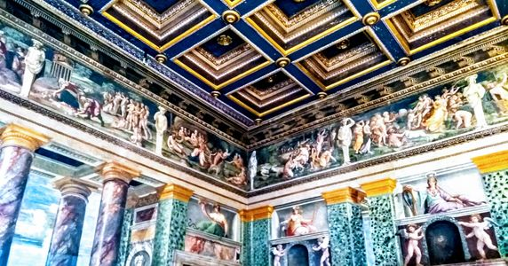 Villa Farnesina VI.jpeg