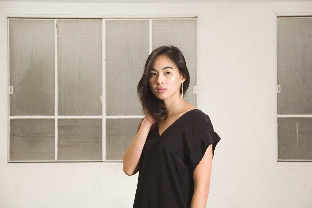 Banks Silk Kimono Dress (black ) /  Sel Earrings