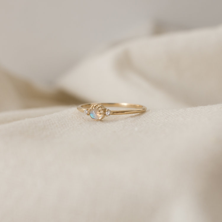 merewif-joyful-eyes-ring-gold-rainbow-moonstone.jpg