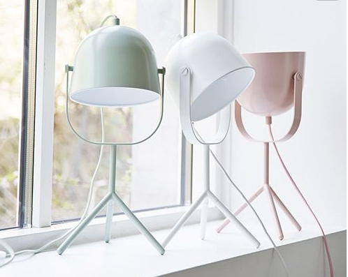 How cute are these little fellas? A multi tasking light, a task lamp and uplighter!