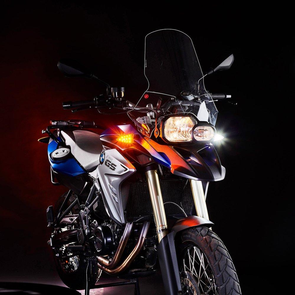 weiser-2-in-1-driving-light-blinkers-extreme-2-web.jpg