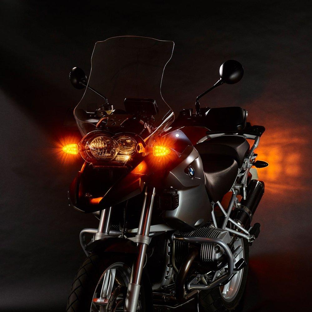 weiser-2-in-1-driving-light-blinkers-legacy-extreme-3-web.jpg
