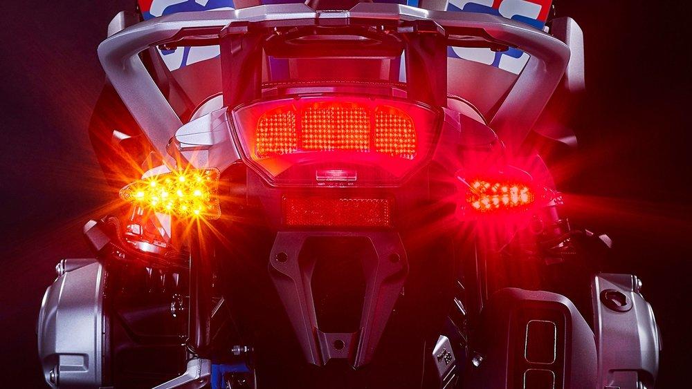2-in-1-ultrabrights-brake-turn-+Turn.jpg