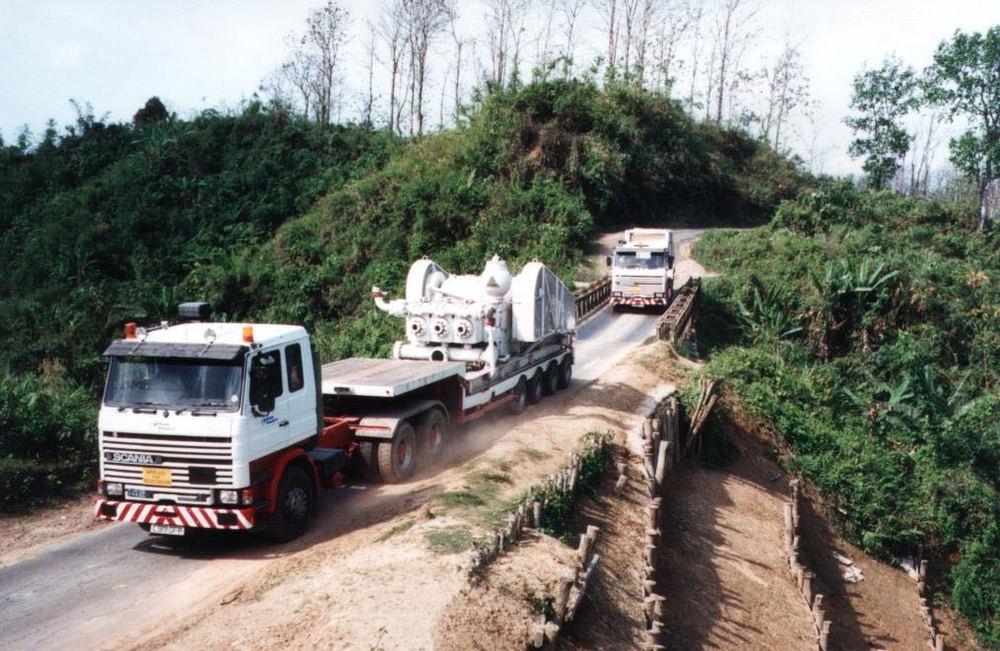 CE18 - Ops - haulage to Semutang 2.jpg