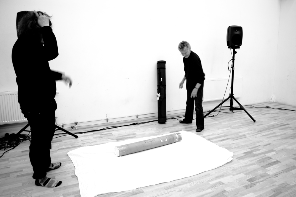John Chantler helps Annea Lockwood with the installation of  A Sound Map of the Danube  (2019). ©Bodil Bolstad
