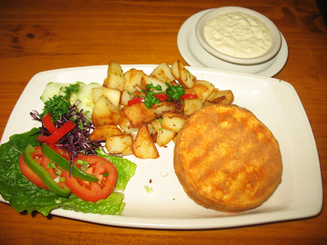 Fried hermelin with roastd potatoes