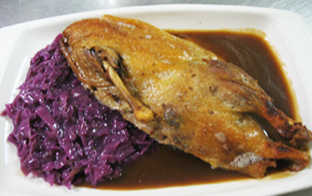 ROASTED DUCKLING W RED CABBAGE