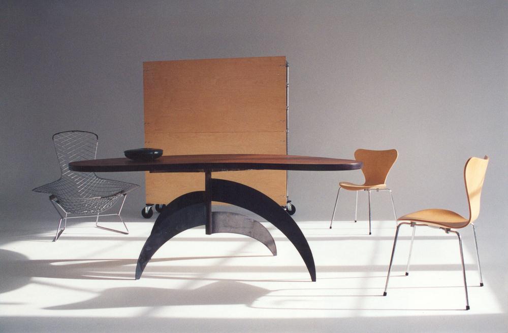 TABLE 04.jpg