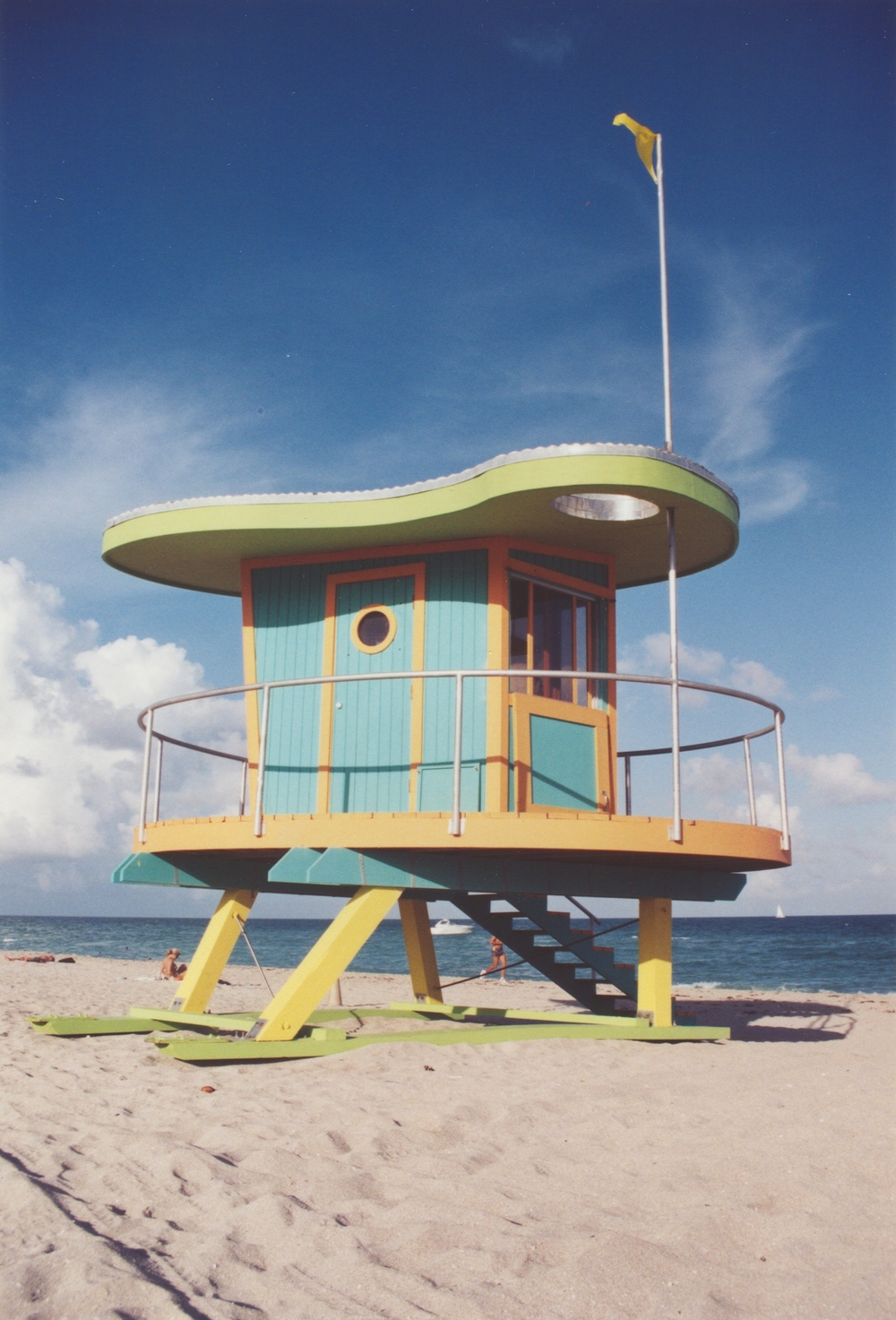 LIFE GUARD STAND 01 A.jpg