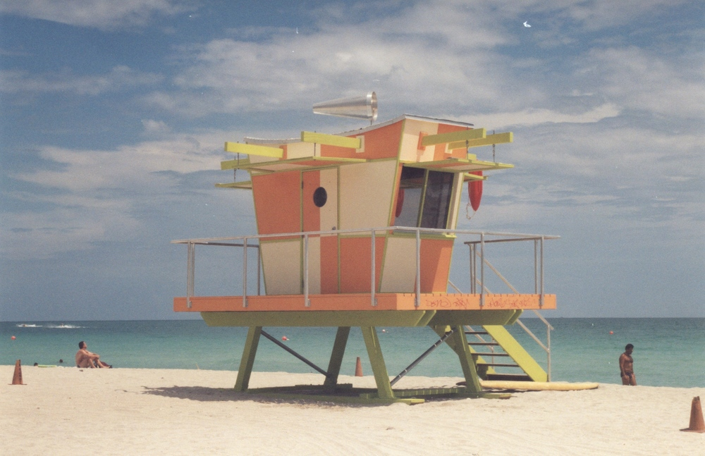 LIFE GUARD STAND 05 C.jpg