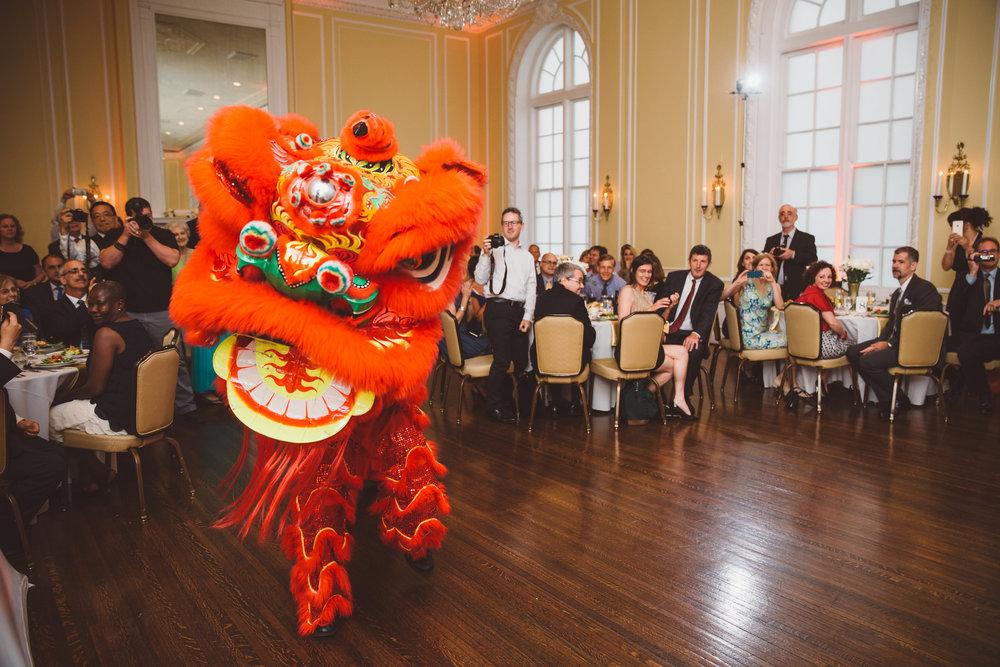 PatrickHenry-Weddings-WeddingPhotographer-PatCoriPhotography(780of1267).jpg