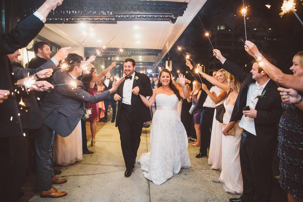 PatrickHenry-Weddings-WeddingPhotographer-PatCoriPhotography(879of880).jpg