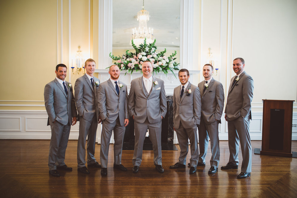 PatrickHenry-Weddings-WeddingPhotographer-PatCoriPhotography(265of948).jpg