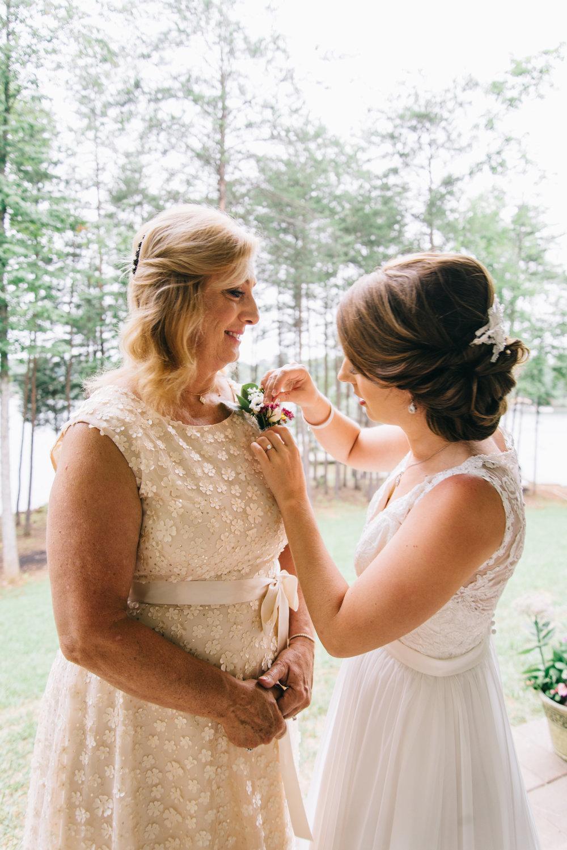 Getting Ready - Bride-0274.jpg