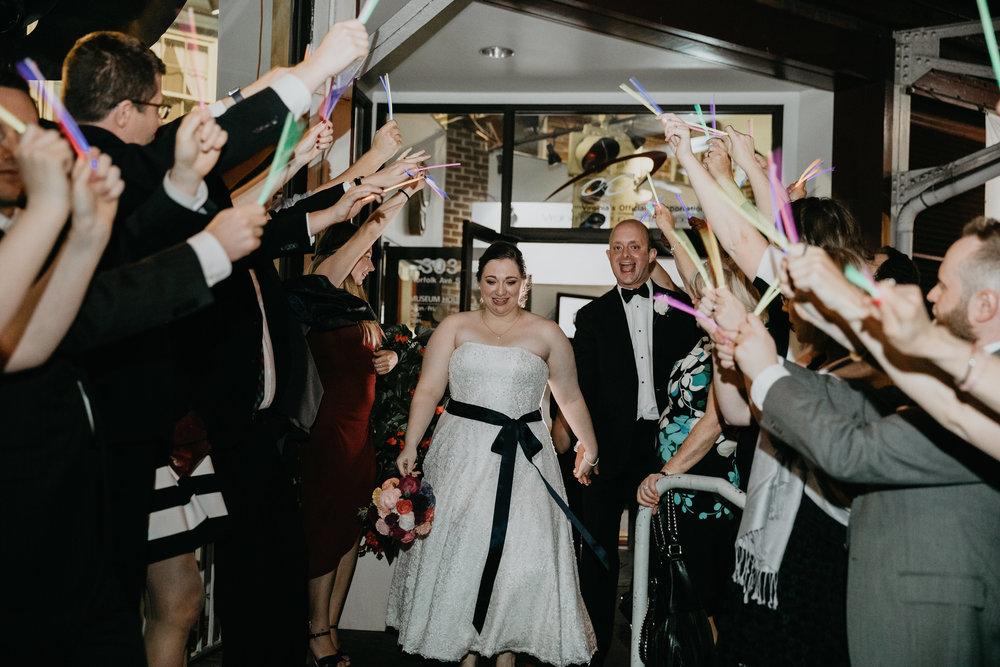 VirginiaTransportationMuseum-Weddings-WeddingPhotographer-PatCoriPhotography-811.jpg