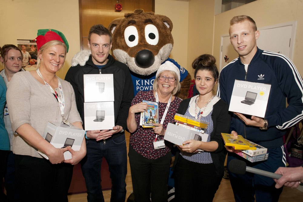 We continue to have a great relationship with LCFC, both with the Club and through the Foxes Foundation. The players donated 100 personal DVD players to Leicester Children's Hospital for Christmas.