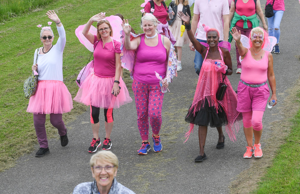 Join this fun and colourful 5k walk around Braunstone Park!