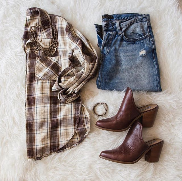 Rustic chic 🍂 #whitecrowstyle