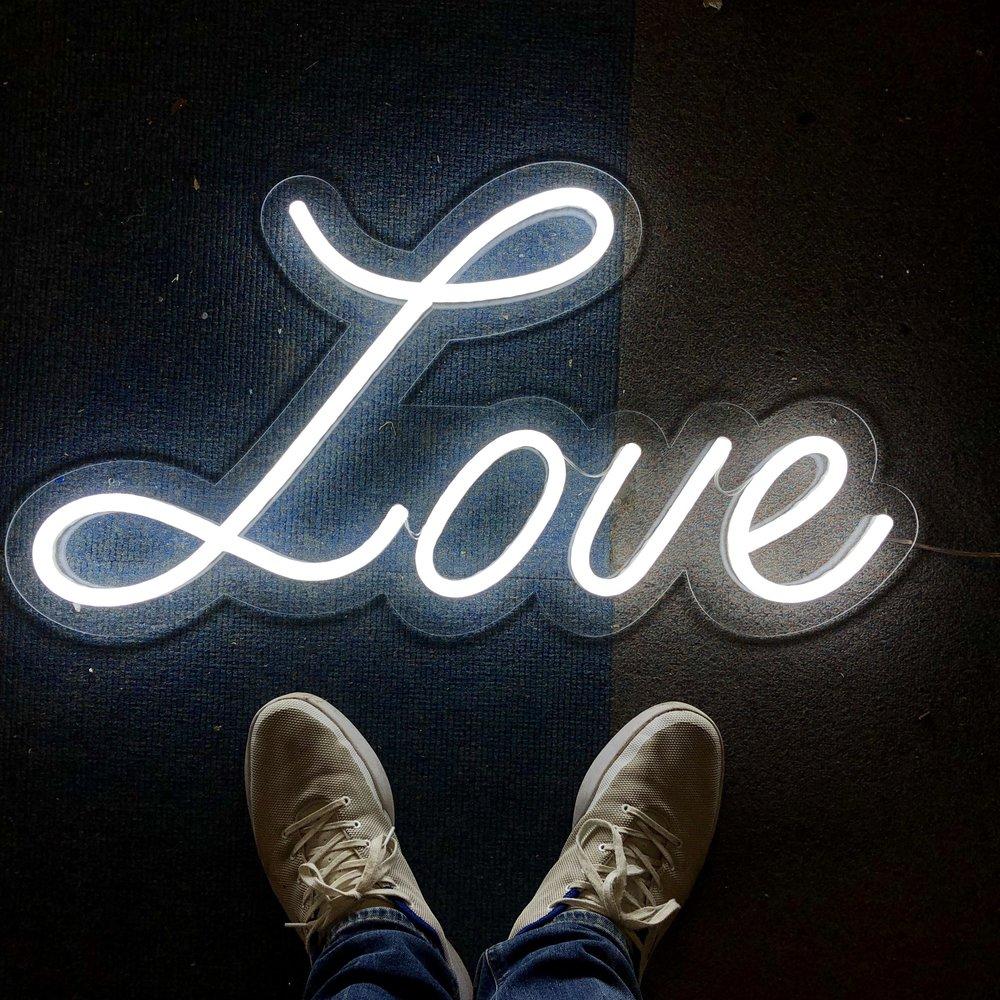 Love LED Neon