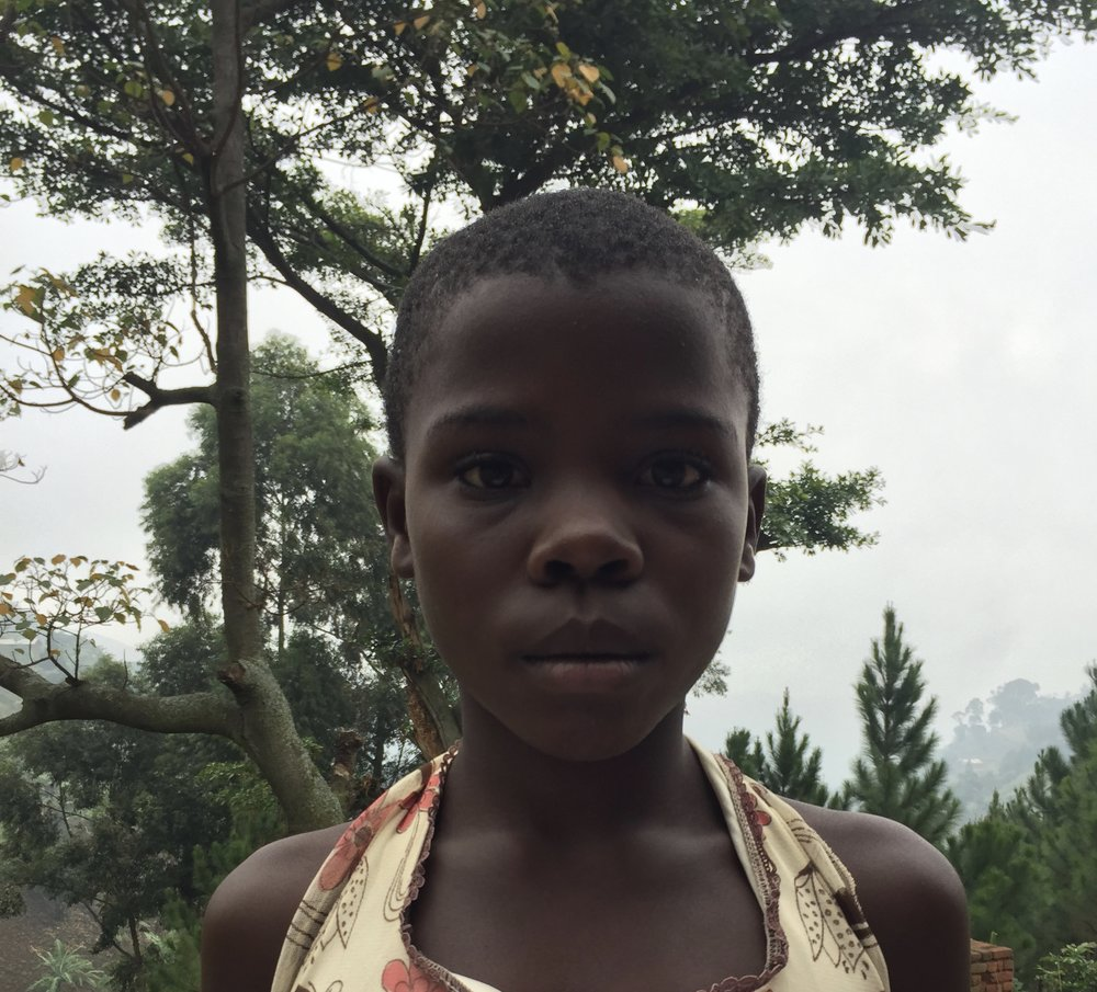 Kabhugo Esther-73