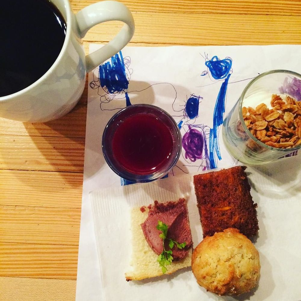 #FamilyBrunch @feastnyc. How do you get to try all the goodies?! By eating a mini-version of everything. Such a great idea. #portioncontrol #blackcoffee #juiceshot #pastries #pate #granola #yogurt #carrotbread #bushwick #bushwicknutrition #lazynutrition #lazynutritionist  http://ift.tt/1QIODFp