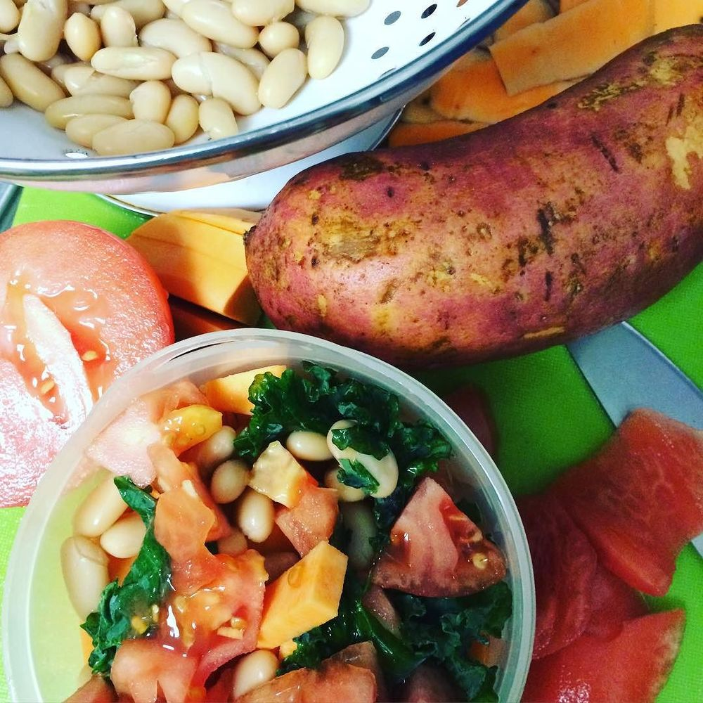 #Sunday #bulkcooking has begun! Started with Theo's meal for the week: sweet potato, white kidney beans, kale, and a little tomato. I didn't use the skin of the tomato in the purée, since it can be a little hard to digest; instead I ate it as a snack while I was cooking! :) I also shaved the sweet potato and will use the skin to make #sweetpotatohusks. So good!! Will definitely show how to make in a following post.  http://ift.tt/1jIrybA