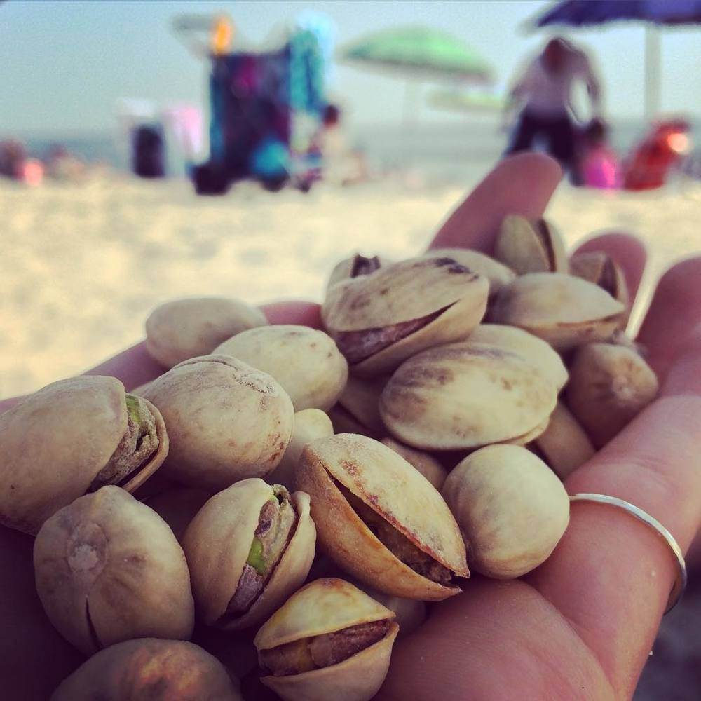 #Pistachios are a great #healthysnack. Out of all the #nuts, it's my favorite to recommend if you are looking for #caloriecontrol. A serving is 42 pistachios (Pictured. I counted!). It also has 6 grams of filling #protein. #bushwicknutrition #bushwick #lazynutrition #lazynutritionist #beach #beachsnack