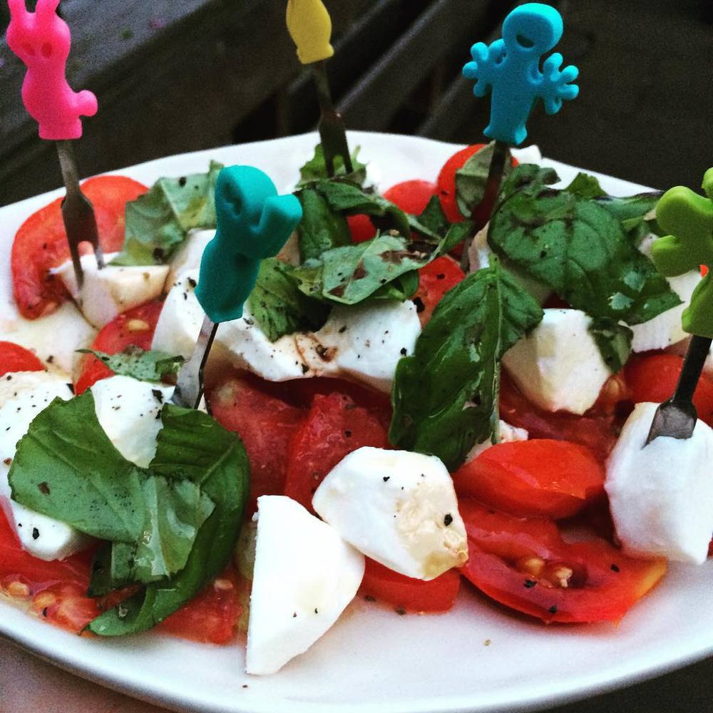 An oldie but a goody. #FreshBasil (#homegrown), #mozzarella, and #local #tomatoes (two different varieties from our beautiful, green thumb neighbors!) with balsamic and loads of #EVOO. The healthy #fat in the olive oil helps absorb all the fat soluble #vitamins in the tomatoes. #bushwick #bushwicknutrition #lazynutritionist #lazynutrition