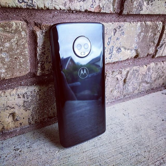 Motorola returns to the top of the mid-range heap with the moto g6.  Link to full review in bio.  #moto #motog6 #android #tech #gadgets