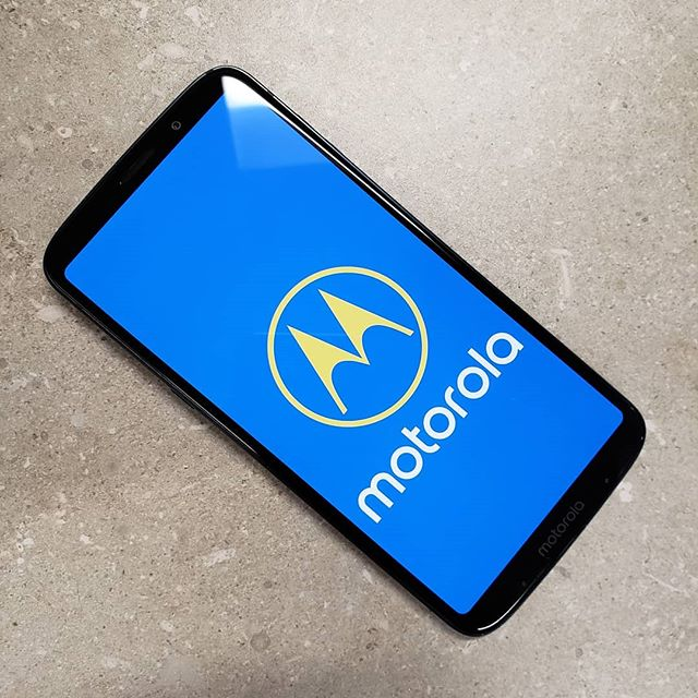 Is the Moto Z3 Play worth its slightly heavy price tag?  Check out my full review at GadgetSyrup.com!  #tech #review #gadgets #smartphone #motorola