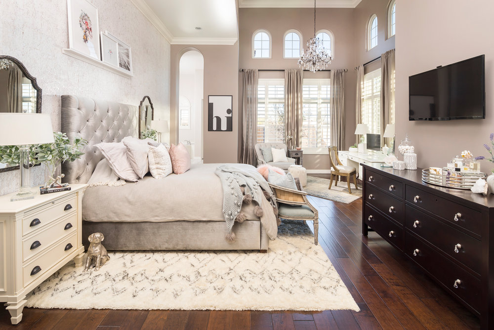 COZY LUXE BEDROOM SUITE