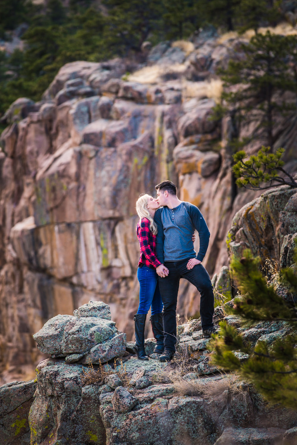 Engagement pictures in Rocky Mountain National