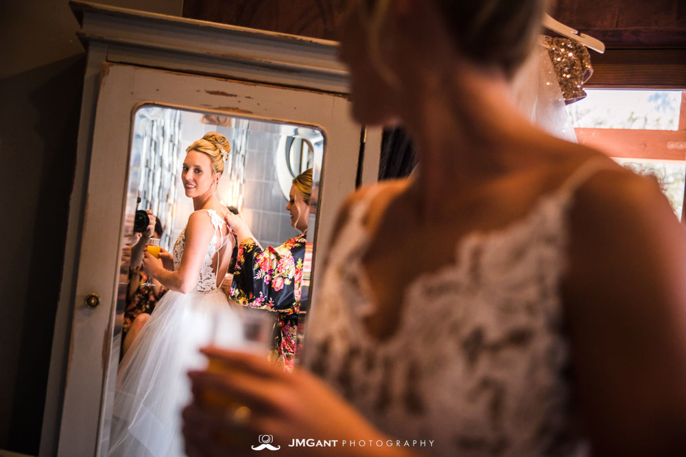 Stunning elegant wedding at the Della Terra Mountain Chateau in Estes Park Colorado. Photographed by Jared M. Gant of JMGant Photography.